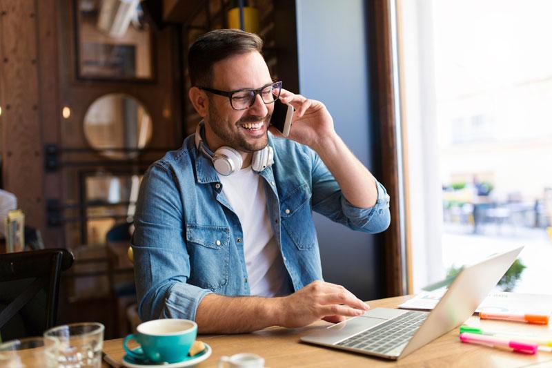 Freelance en la cafetería