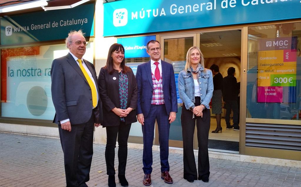Inauguración de una nueva oficina de Caja de Ingenieros en la sede de MGC Mutua en Vilanova i la Geltrú