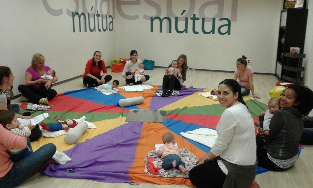 Invitamos a los mutualistas a talleres para padres y madres con sus bebés en Sant Cugat