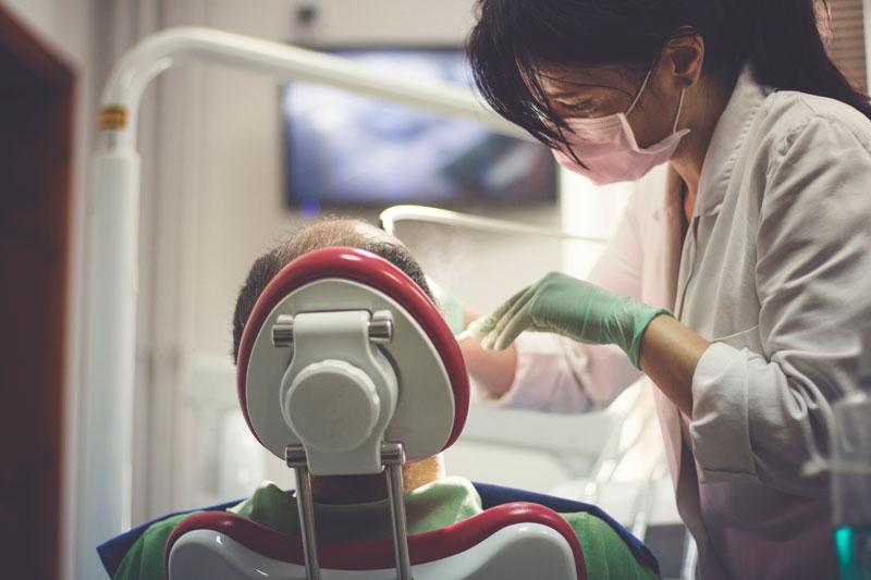 ¿Por qué es importante hacer una revisión dental anual?