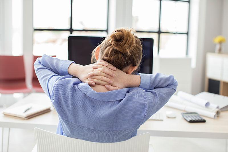 ¿Es peor para la salud trabajar de pie o sentados?