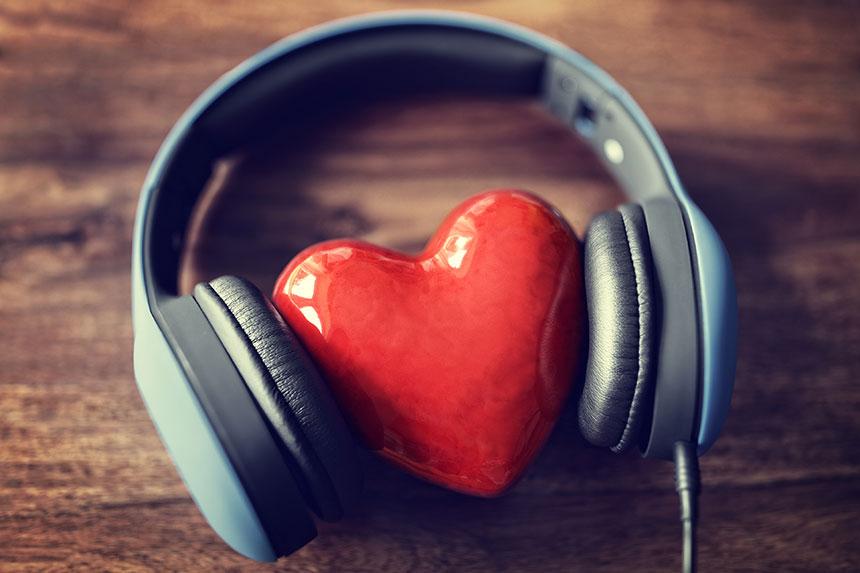 Escuchar música beneficia tu corazón